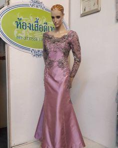 """บริการออกแบบตัดเย็บชุดผ้าไทย ผ้าไหม ชุดราตรี  """"จำหน่ายผ้าไหมยกดอกลำพูนและผ้าไหมไทยแท้ เนื้อแน่น คุณภาพดี เกรดพรีเมี่ยม""""  Ready made & made to order handmade dress, Thai silk,Hand crafted and locally made we strive to creative. Thai silk design fashion. Limited Edition.  Detail  IG : kong1980 and detailoflove Call :+66 962692524 / +66 999279463 E-mail:thongchai.phu@gmail.com  Line I.D. : thongchai.phu  Shop: ห้าง Terminal21Korat ชั้น3 ห้อง3195 / ร้านดีเทล(สี่แยกร่วมเริงไชย)"""