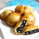Fried Oreos Ingredients 1 package of double stuffed oreos 1 1/4 cup pancake mix 1 tablespoon canola/veggie oil 1 cup milk pinch of salt 1 egg pot filled with canola/veg oil heated to 350 F