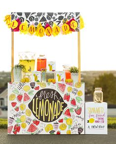 DIY Printable Lemonade Stand - kids can color in the fruit! Food Trucks, Activities For Kids, Crafts For Kids, Do It Yourself Inspiration, Catering, Cool Mom Picks, Bake Sale, Ice Cream Recipes, Summer Fun