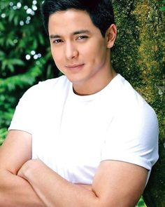 """DON'T BE AFRAID, BELIEVE IN YOURSELF."" -- ALDEN ♡♡♡ #kapuso #primetime #destinedtobeyours #star #aldenrichards #aldub #aldubnation #eatbulaga #dabarkads #kalyeserye #sugodbahay #inspired #inlove #igdaily #picoftheday #ALDUBMissYou @aldenrichards02 Alden Richards, College Boys, Attractive Guys, Celebrity Portraits, Straight Guys, Korean Men, Pinoy, Filipino, Lgbt"