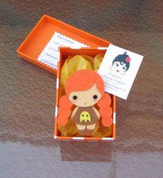 Tenia muchas ganas de crear mi  muñeca kawaii, y os la quiero  enseñar, ella es Miyu,una maravillosa niña  a la quele encanta disfrazarse, ...