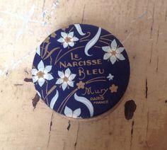 Vintage French powder box : Le Narcisse Blue Mury by karmolijntje