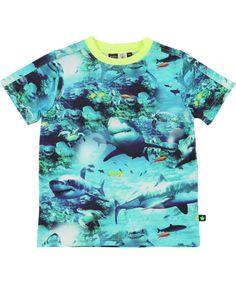 Molo super coole zomer t-shirt met haaienprint voor juniors - Koopje | Trendy kinderkleding
