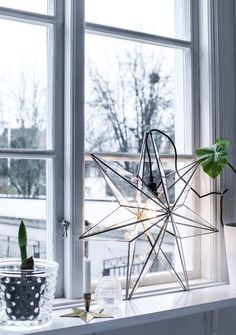 """Sometimes I wonder if scandinavian interior designers look mad lazy. Like, we never bother to hang lights in a propper way. We just go """"Nah, I'll just lean it against something. It's a casual look!"""""""