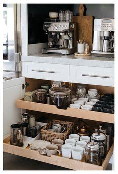 Coffee Bar Station, Coffee Station Kitchen, Coffee Bars In Kitchen, Coffee Bar Home, Home Coffee Stations, Coffee Bar Ideas, Tea Station, Diy Kitchen Storage, Home Decor Kitchen