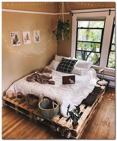 Shelf Decor Bedroom Above Bed Cute Bedroom Ideas, Cute Room Decor, Room Ideas Bedroom, Bedroom Loft, Home Decor Bedroom, Bedroom Inspiration, Bedroom Designs, Bedroom Ideas For Women Boho, Bedroom Ideas For Small Rooms Cozy