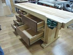 workbench - by Jim @ LumberJocks.com ~ woodworking community