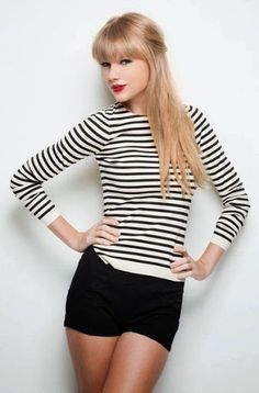 taylor Swift in gorgeous black and white fashion trend