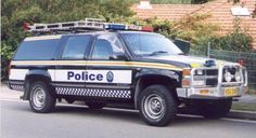 Australian Police Cars > Gallery > New South Wales Police > Image: spg_suburban_3