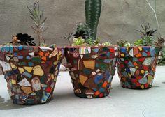 kid-made mosaic pots Mosaic Flower Pots, Mosaic Pots, Mosaic Garden, Mosaic Glass, Mosaic Tiles, Crafts To Make, Arts And Crafts, Kid Crafts, Painted Plant Pots