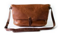 Whipping + Post Vintage Messenger - Former musician Ryan Barr finds inspiration in life on the road and old postal bags