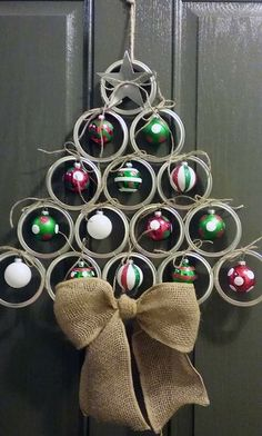 Canning/mason jar lid christmas tree door hanger...adorable!