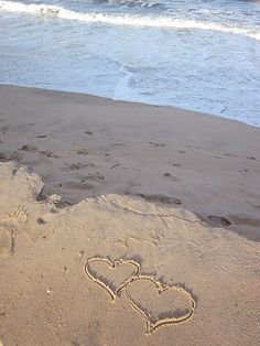 """WRITE """"I LOVE YOU"""" IN THE SAND"""
