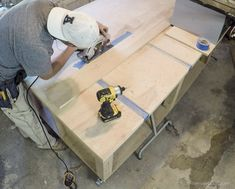 Table Saws Table Saw Workbench Remodelaholic 20 Woodworking Saws, Woodworking Workshop, Woodworking Projects, Wood Projects, Miter Saw Table, Table Saw Workbench, Workbench Plans, Circular Saw Reviews, Best Circular Saw