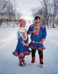 The Sami People by Erika Larsen. Photographer Erika Larsen traveled to Scandinavia to document the lives of the Sami people. The Sami's spread across northern Norway, Sweden, Finland and Russia. Sami's are best known for their. Lappland, Folk Costume, Costumes, Samar, People Of The World, World Cultures, Traditional Dresses, Ukraine, Clip Art