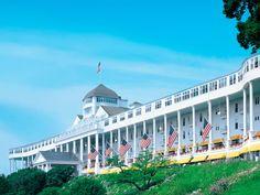 10 Beautiful Resorts on American Lakes - Condé Nast Traveler - Grand Hotel, Mackinac Island, Michagan