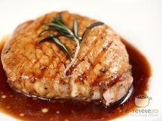Cotlete de porc in sos dulce-acrisor Pork Recipes, Cooking Recipes, Healthy Recipes, Romanian Food, Pulled Pork, Cocktail Recipes, Crockpot, Bacon, Deserts