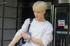 Jeno with blonde hair, appreciation post❤️✨🌙 Jeno Nct, Incheon, Nct Dream, Nct 127, Kpop, Smile World, Rapper, Johnny Seo, Boyfriends