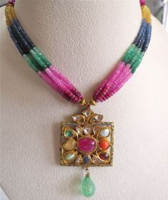 22K-GOLD-JADAU-PENDANT-STUDDED-PRECIOUS-GEM-COLOMBIAN-EMERALD-WITH-RAINBOW-BEADS