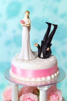 CAKE TOPPERS FOR WEDDING CAKES | Awesome wedding cake toppers (25 photos) » wedding-cake-3
