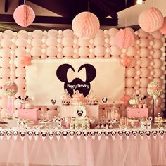 Minnie Mouse themed birthday party via Kara's Party Ideas Favors, banners, decor, recipes, cupcakes, and more! #minniemouse #minniemouseparty