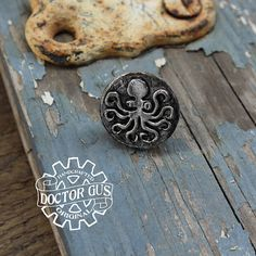 Octopus Pin Tentacle Tie Tack Cthulhu Inspired Cephalopod Octopus Jewelry, Octopus Tentacles, Tie Accessories, Steampunk Costume, Recycled Jewelry, Suit And Tie, Cthulhu, Geek Chic, Tack