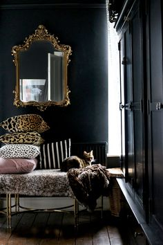 Black bedroom with ornate gold mirror decor bedroom black 3 Items I'm Eyeing Up for the New House - Swoon Worthy Home Decor Bedroom, Living Room Decor, Mirror Bedroom, Design Bedroom, Master Bedroom, Black Interior Design, Dark Interiors, Traditional Interior, Home And Deco