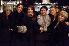 Dukebox singers, vocal ensemble, a capella group, christmas singers, corporate events, singers for shopping centres
