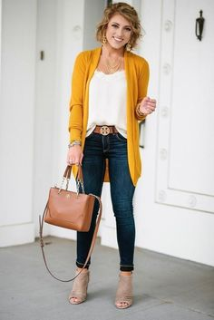 Awesome 45 Elegant Fall Outfits Ideas You Should Try Fall fashion outfits, fall fashion trends, fall family photo, winter outfits, winter outfits casual Fall Fashion Trends, Autumn Fashion, Fashion Ideas, Womens Fashion Outfits, Fall Trends, Classic Outfits For Women, Fashion Women, Ladies Outfits, Fashion Spring