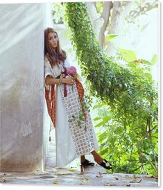 Talitha Getty Talitha Getty, Bohemian Chic Fashion, Bohemian Style, Vintage Fashion, Bohemian Lifestyle, Vintage Style, Marrakech, Cement Garden, Beauty Photography