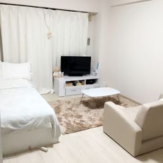 mayuuuさんの、部屋全体,ソファ,DIY,一人暮らし,Francfranc,1人暮らし,フランフラン,シンプル,White,クッションフロア,ジェラートピケ,白が好き,1K,コンパクトソファ,のお部屋写真