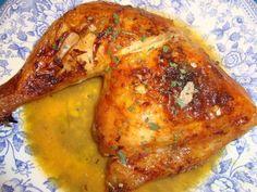 Baked chicken with oranges and beer - Pollo al horno con naranjas y cerveza. Pollo Chicken, Roasted Chicken, Grilled Chicken, Baked Chicken, Chichen Recipe, Grilling Recipes, Cooking Recipes, Pollo Recipe, Salty Foods
