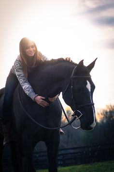 I really want a jet black horse with a white face marking.. Love love love
