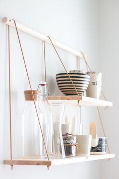 Diy Home Decor Easy, Diy Home Decor Bedroom, Diy Kitchen Decor, Home Wall Decor, Scandinavian Shelves, Scandinavian Kitchen, Bedroom Vintage, Organizational Design, Diy Interior