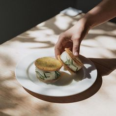 I wish I knew what flavor these ice cream sandwiches are. Lemon rosemary perhaps? They look mighty tasty!