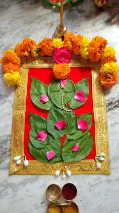 Rangoli Designs Flower, Colorful Rangoli Designs, Rangoli Designs Diwali, Flower Rangoli, Diwali Decorations At Home, Festival Decorations, Flower Decorations, Eco Friendly Ganpati Decoration, Ganpati Decoration Design