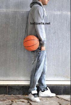 Balón de baloncesto roto = bolsa diaria