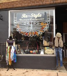 Take another look at that window signage: it's a wicker headboard! Cute, memorable, & CHEAP! What every #consignment, resale, thrift shopkeeper aspires to, right? :-)