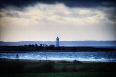 Blæsende dag på Helnæs #visitfyn #fyn #nature #visitdenmark #naturelovers #natur #denmark #danmark #dänemark #landscape #assens #mitassens #vildmedfyn #fynerfin #assensnatur #vielskernaturen #visitassens #instapic #picoftheday #sea #december #winter #waves #lighthouse
