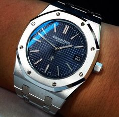 Audemars Piguet Royal Oak 15202 Blue Dial find that perfect wrist watch here today! Men's Watches, Sport Watches, Cool Watches, Fashion Watches, Audemars Piguet Watches, Audemars Piguet Royal Oak, Stylish Watches, Luxury Watches For Men, Patek Philippe