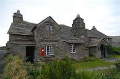 A 600 year old cottage, the Old Post Office in Tintagel, north Cornwall is under care of the National Trust UK. North Cornwall, Devon And Cornwall, Old Post Office, Office Uk, British Isles, British Seaside, Castles In Ireland, Old Cottage, Cabins And Cottages