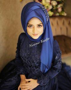 İnstagram : nsnur Bridal Mehndi Dresses, Bridal Hijab, Muslim Wedding Dresses, Muslim Brides, Muslim Girls, Hijab Fashion 2016, Muslim Women Fashion, Islamic Fashion, Fashion Muslimah