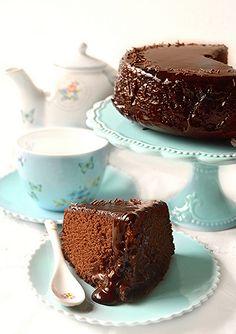 Desserts go go: Vegan chocolate cake Chocolate World, Vegan Chocolate, Chocolate Recipes, Chocolate Cake, Vegan Dessert Recipes, Vegan Sweets, Cake Recipes, Vegan Brownie, Vegan Cake