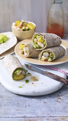 Light and refreshing sweet chilli wraps are ideal for a warm day, with the silky smooth mango and mint making the wrap extra special. Chilli Prawns, Prawn Recipes, Weekday Meals, Sweet Chilli, Cooking Recipes, Healthy Recipes, Dessert For Dinner, Wrap Sandwiches, Yummy Food