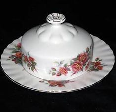 Royal Albert - Centennial Rose Created especially for Canada's Centennial in 1967 to 1981 Country Rose, China Sets, Vintage Dishes, Royal Albert, Teacups, My Room, Tea Party, Roses, Canada