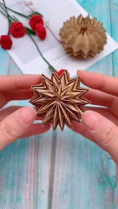 Instruções Origami, Origami And Quilling, Origami Design, Oragami, Diy Crafts Hacks, Diy Crafts For Gifts, Diy Arts And Crafts, Creative Crafts, Cool Paper Crafts