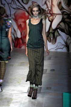 Prada at Milan Fashion Week Spring 2008 - Runway Photos Milan Fashion, High Fashion, Prada, Runway, Vogue, Spring, Photos, Cat Walk, Couture