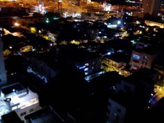 Vista Nocturna Aérea del Barrio Manga