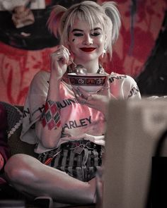 birds of prey Margot Robbie As Harley Quinn In The Moviequot; Birds Of Preyquot; Arlequina Margot Robbie, Margot Robbie Harley Quinn, Harley Quinn Drawing, Joker Und Harley Quinn, Harely Quinn, Univers Dc, Film Serie, Birds Of Prey, Gotham City