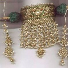 Gold Jewelry Simple, Gold Rings Jewelry, Royal Jewelry, India Jewelry, Luxury Jewelry, Antique Jewelry, Gold Jewellery, Statement Jewelry, Rajput Jewellery